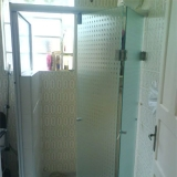 box de vidro para banheiro com porta de abrir Jardim do Trevo