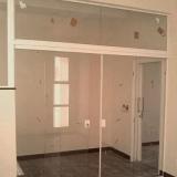 busco por porta de vidro temperado Vila Iza