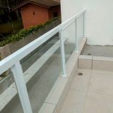 empresa de guarda corpo de vidro com alumínio branco Parque São Jorge