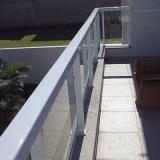guarda corpo de vidro com alumínio Cidade Jardim