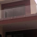 guarda corpo panorâmico de vidro Jardim Novo São José