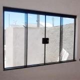 janela de correr de vidro