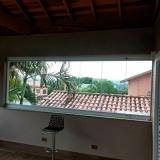 janela grande de vidro Vinhedo