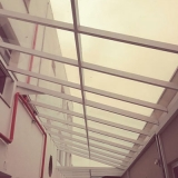 loja de cobertura de vidro para corredor Jardim Esmeraldina