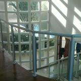 loja de guarda corpo panorâmico de vidro Jardim São Gabriel
