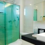 preço de box de vidro verde para banheiro Jardim Leonor