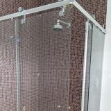 preço de box para banheiro sanfonado de vidro Swiss Park