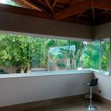 preço de fechamento de sacada de vidro Jardim Amazonas
