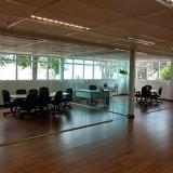 quanto custa divisória vidro escritório Holambra