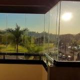 sacada com fechamentos de vidro Cidade Jardim